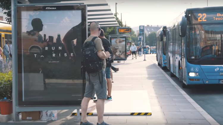 Video: Innovative Running Track At Budapest Bus Stop