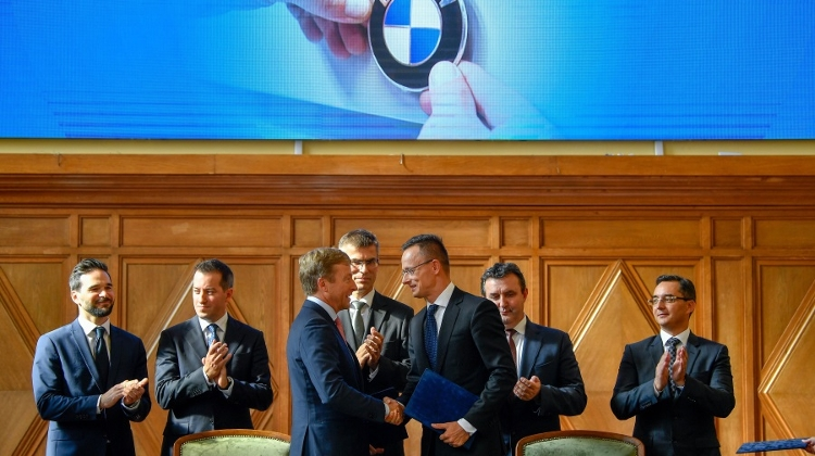 IT Minister: BMW Works Councils Back Debrecen Plant
