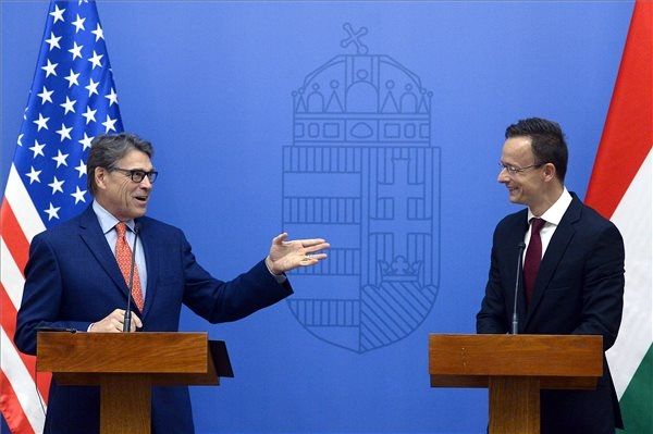 US, Hungary Urge Diversification Of C Europe's Energy Supply