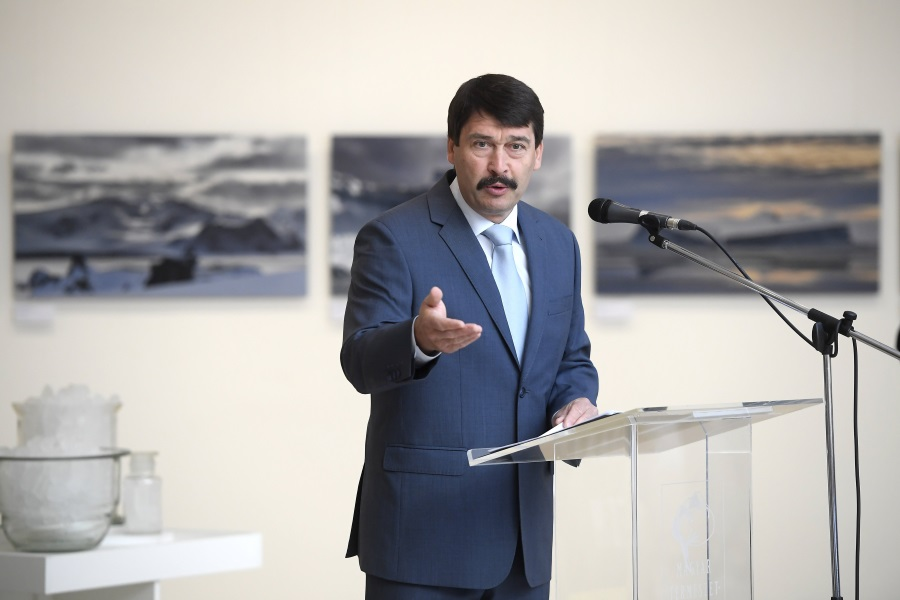 President Áder Opens Photo Exhibition 'Our Melting Future'