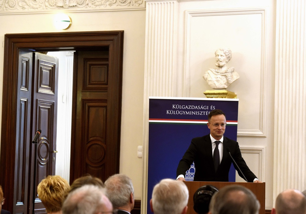 FM Szijjártó Rejects Reports, DK Warns Of Consequences