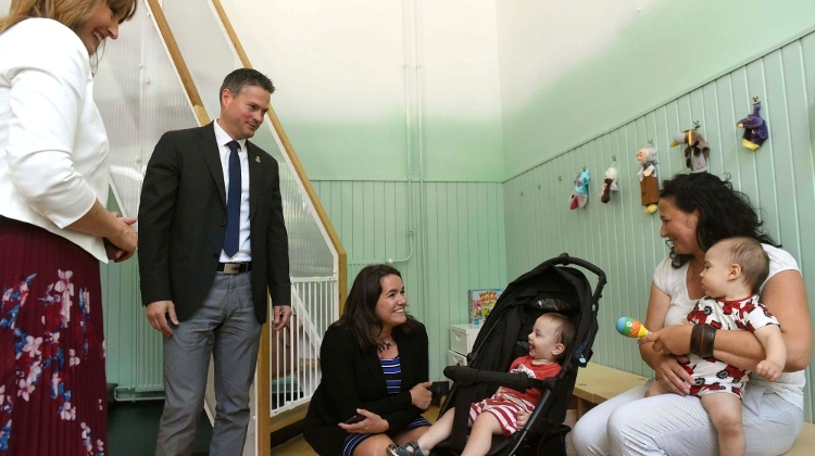 Centre Opens For Single Parents In Budapest