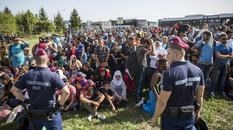 """Hundreds Of Thousands Of Illegal Migrants May Arrive On Hungary's Border"""