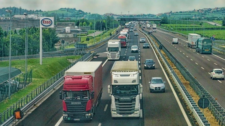 Budapest-Vienna Motorway To Be Upgraded, Extended To Three Lanes