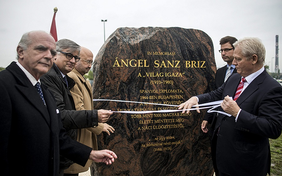 Spanish Embassy To Commemorate Holocaust Victims With Tree Planting