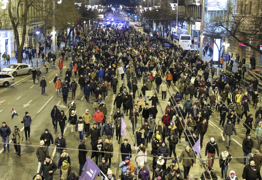 PM's Office Chief: Budapest Demo 'Unlawful'