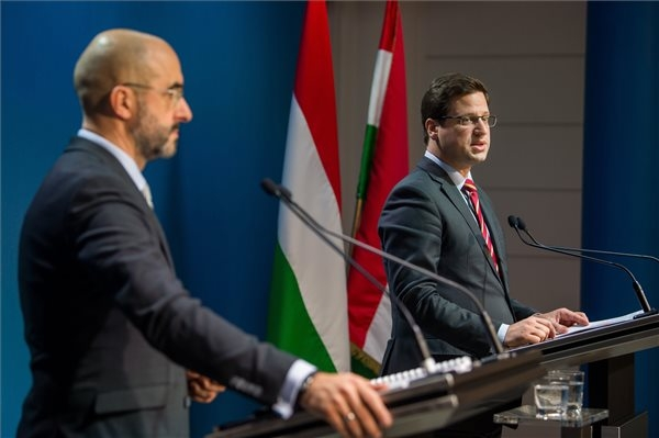 Head Of Hungarian PM's Office: Migration Decisive Campaign Theme In EP Elections