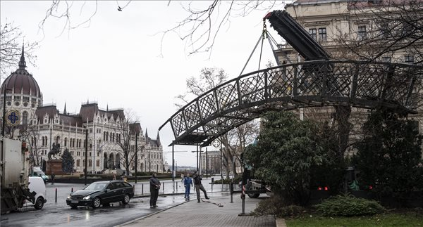 Local Opinion: Imre Nagy's Statue Removed In Budapest