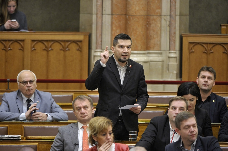 Hungarian Opposition Initiates Special Parl't Session On Labour Code Amendment