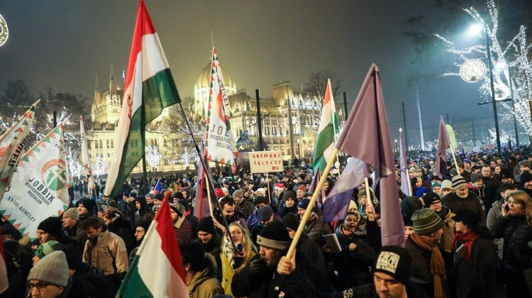 Thousands Protest Against Orban's Government In Budapest, Vow To Make 2019 'Year Of Resistance'