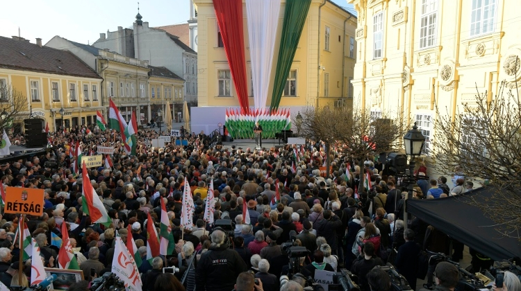 Video: Sunday's Election In Hungary Will Be A Barometer Of Nationalist Sentiment