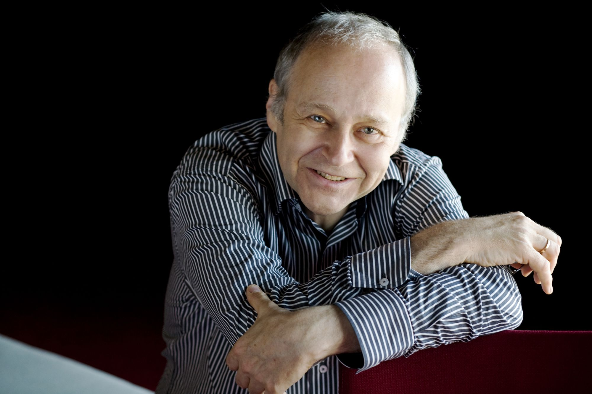 Hungarian Conductor Fischer Shares Prize With McCartney