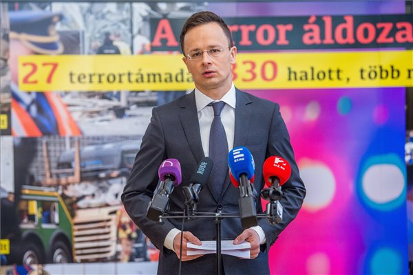 Telegraph: Hungarian Embassies Ordered To Gather Negative Stories About Migrants