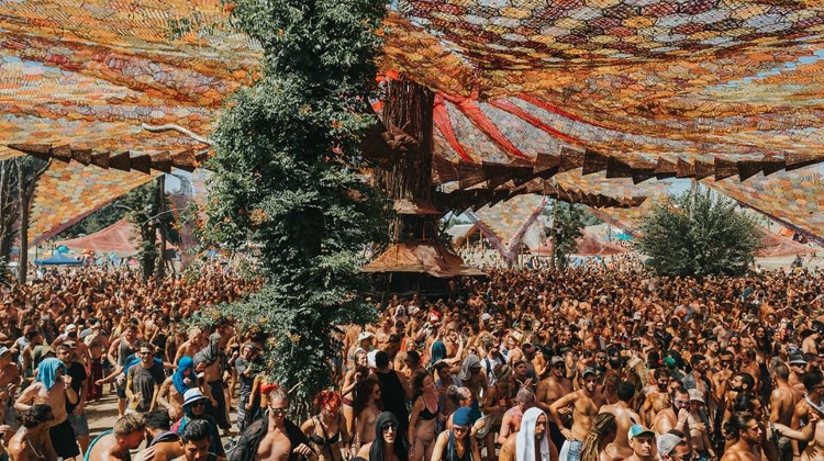 Video: 'Ozora Festival', Dádpuszta, until 5 August