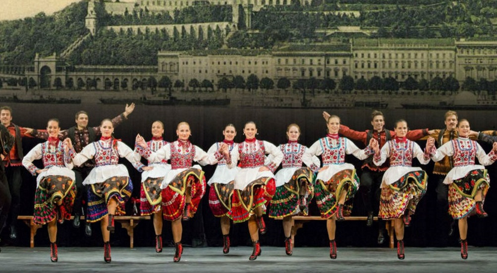 Hungarian Dance Troupe On North American Tour