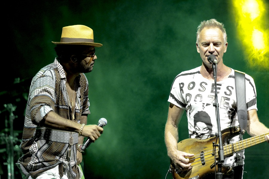 Sting & Shaggy Free Concert, Heroes' Square, 24 November