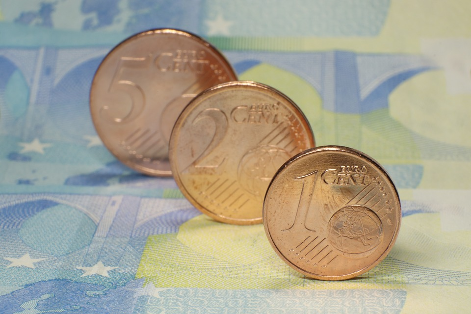 Most Hungarians Want To Adopt Euro