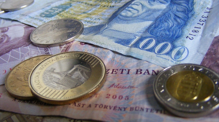 Forint Falls To Two-Year Low Against Euro