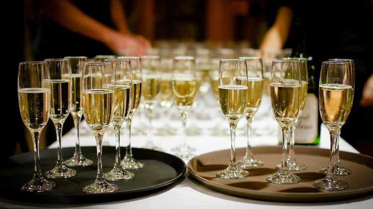 First Hungarian Champagne Bar Franchise Set To Debut