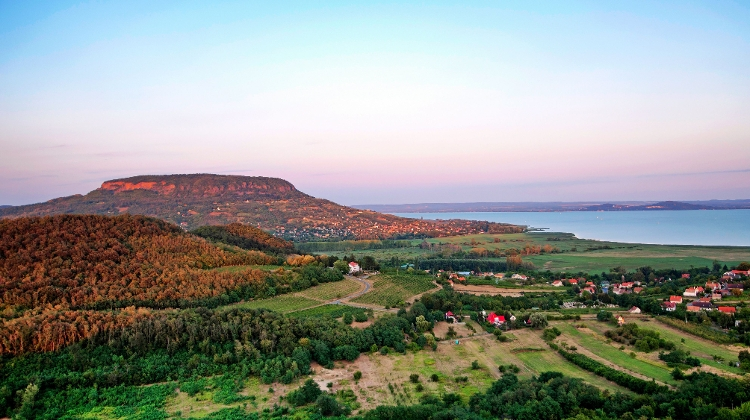 Video: Xploring Hungary - Balaton Highlands