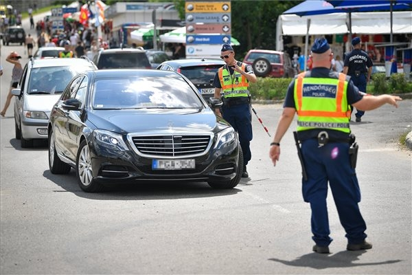 Polish, German Police Help Out In Hungary