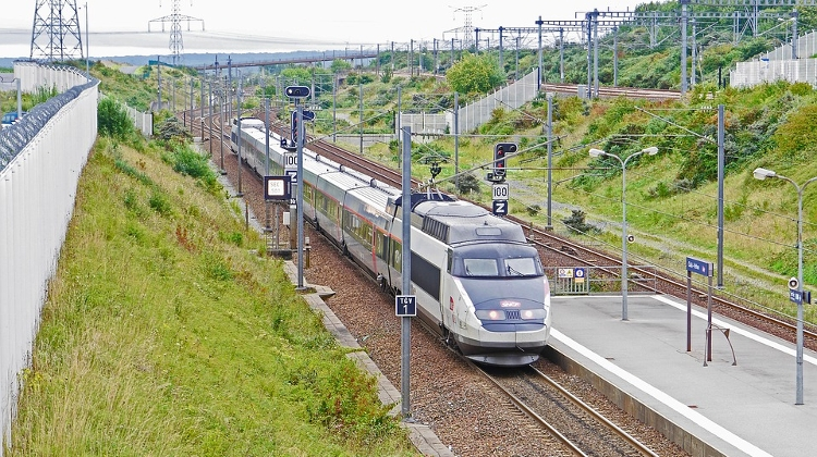 V4 Plans High-Speed Rail Connection