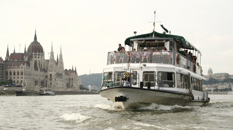 River-Crossing Boat Line In Operation On Inner City Section