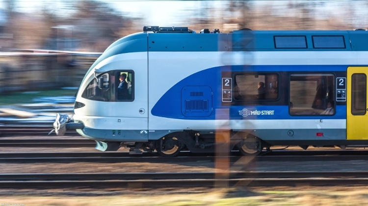 Hungarian Railway Company To Buy 8 More Double-Decker Trains