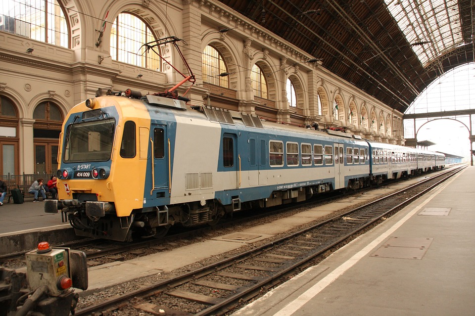 Hungarian Train Delays: 1.8 Million Minutes
