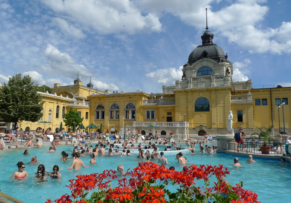 Video: Top 3 Thermal Baths in Budapest