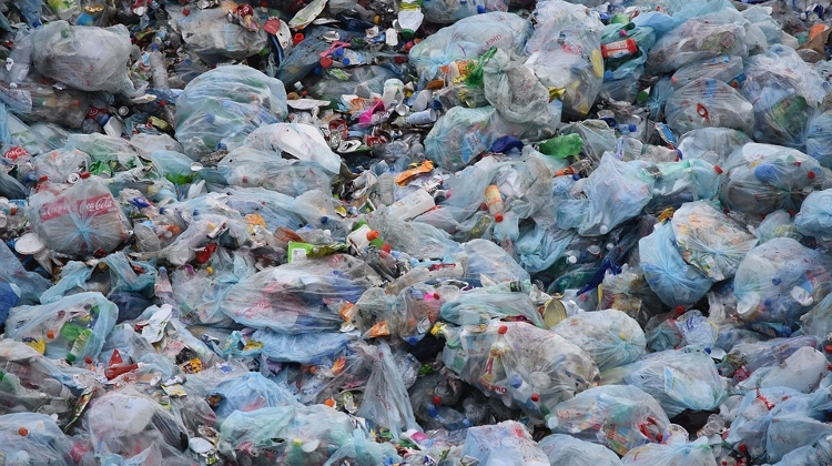 LMP Seeks Ban On Plastic Bags In Hungary