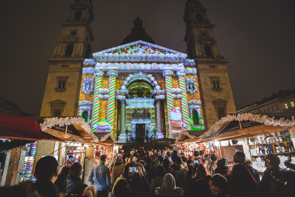 Europe's 4th Most Beautiful Advent Fair Is At Basilica In Budapest