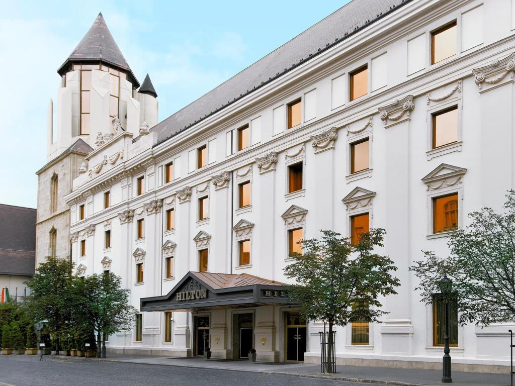 Video: A New View Of Hotel Hilton Budapest & 5 Top Buda Castle Restaurants