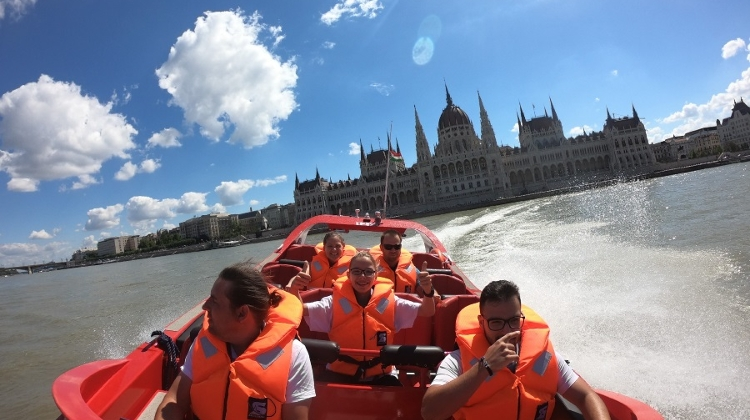 Speed Drifting On The Danube With RedJet