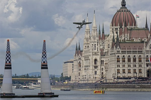 Tarlós Vows To Scrap Red Bull Air Race