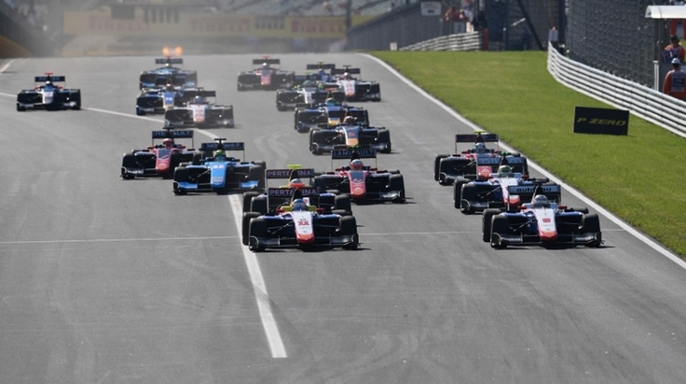 Video: Formula 1 Hungarian Grand Prix, Hungaroring, 27 - 29 July