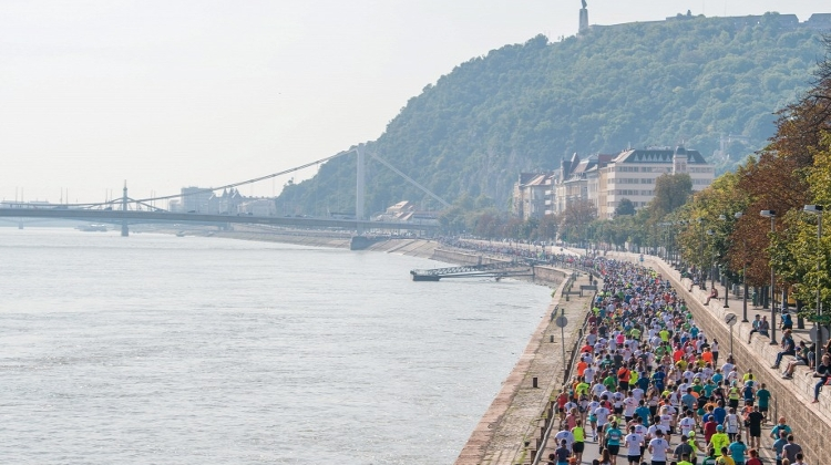 Video: Budapest Half Marathon, 9 September