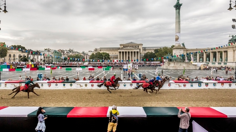 National Gallop, Heroes' Square, 14 – 16 September