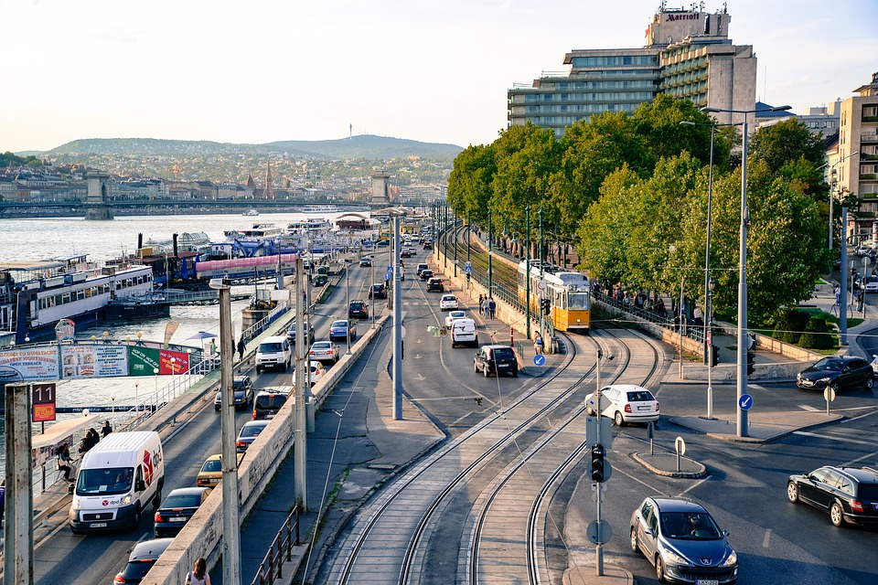 Central Budapest Tests Free Parking Space App
