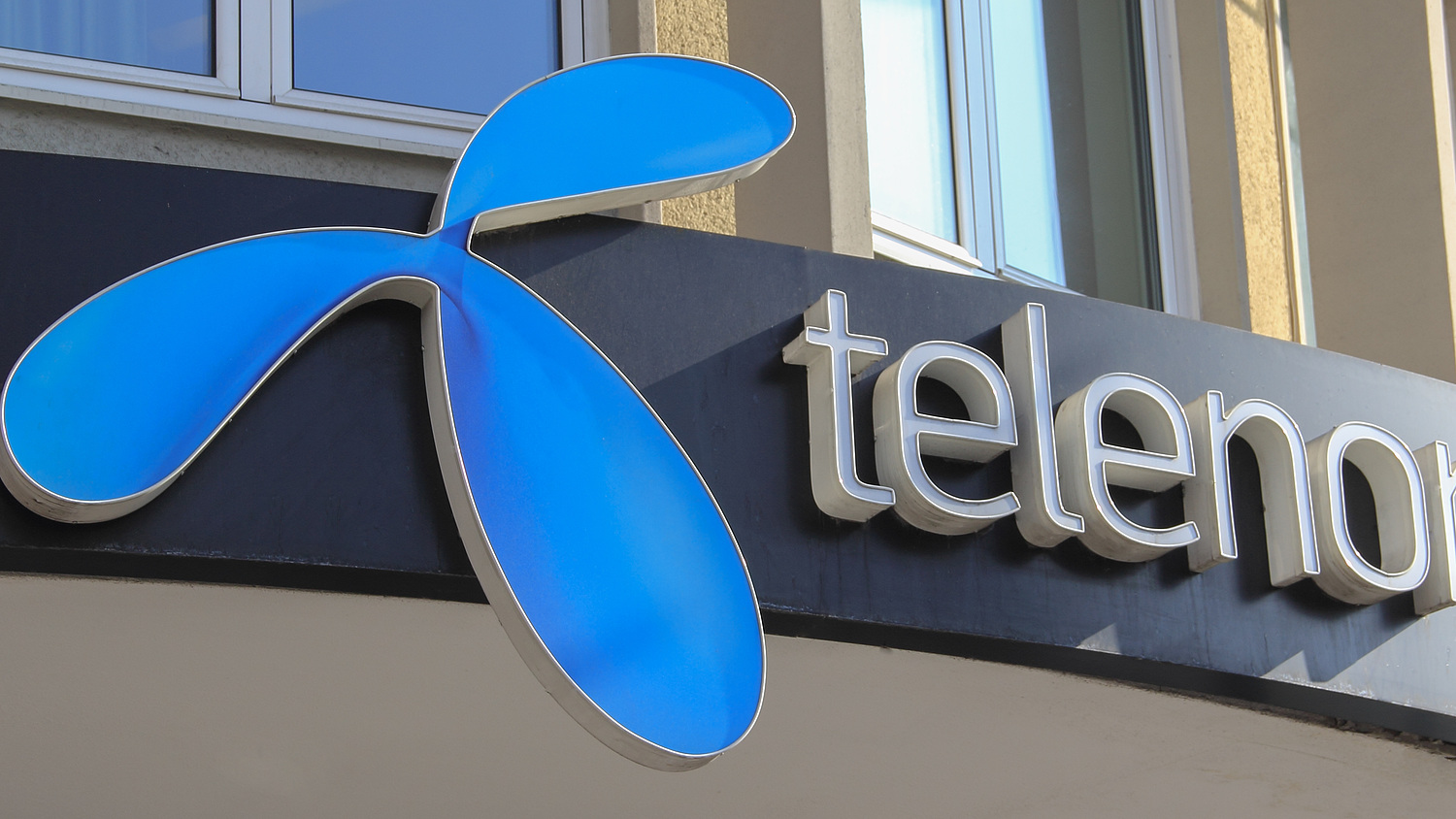 Czech Investor To Buy Telenor Hungary