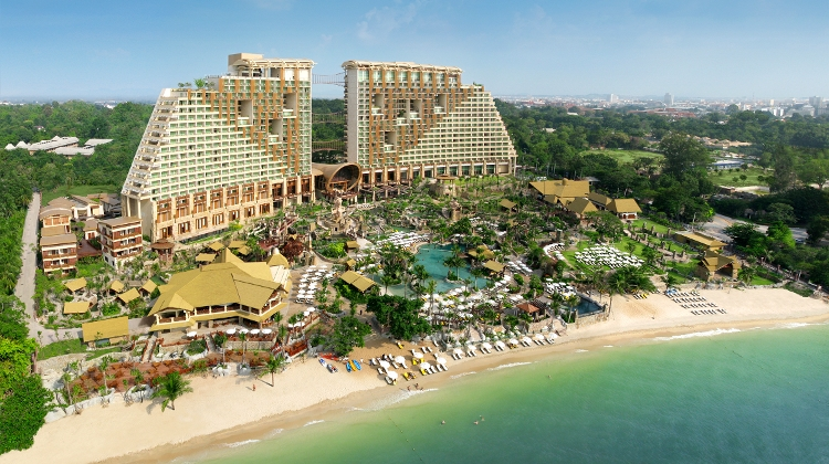 Escape To A 'Lost World' Paradise At Centara Grand Mirage Beach Resort Pattaya