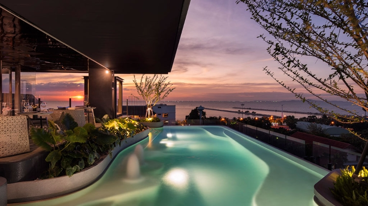 Escape From Budapest To An Urban Seaside Resort @ X2 Vibe Pattaya Seaphere Residence
