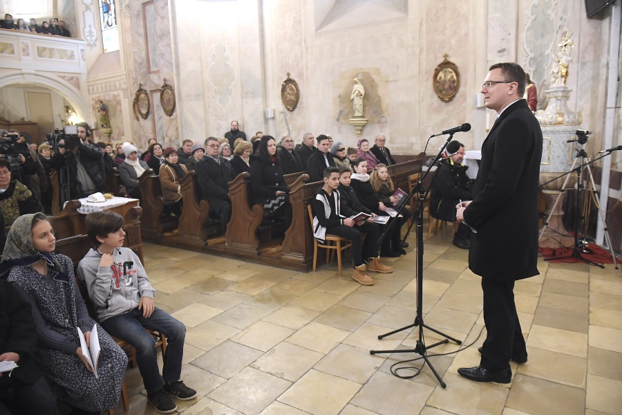 Memory Of Hungarians Deported To Soviet Labour Camps Honoured
