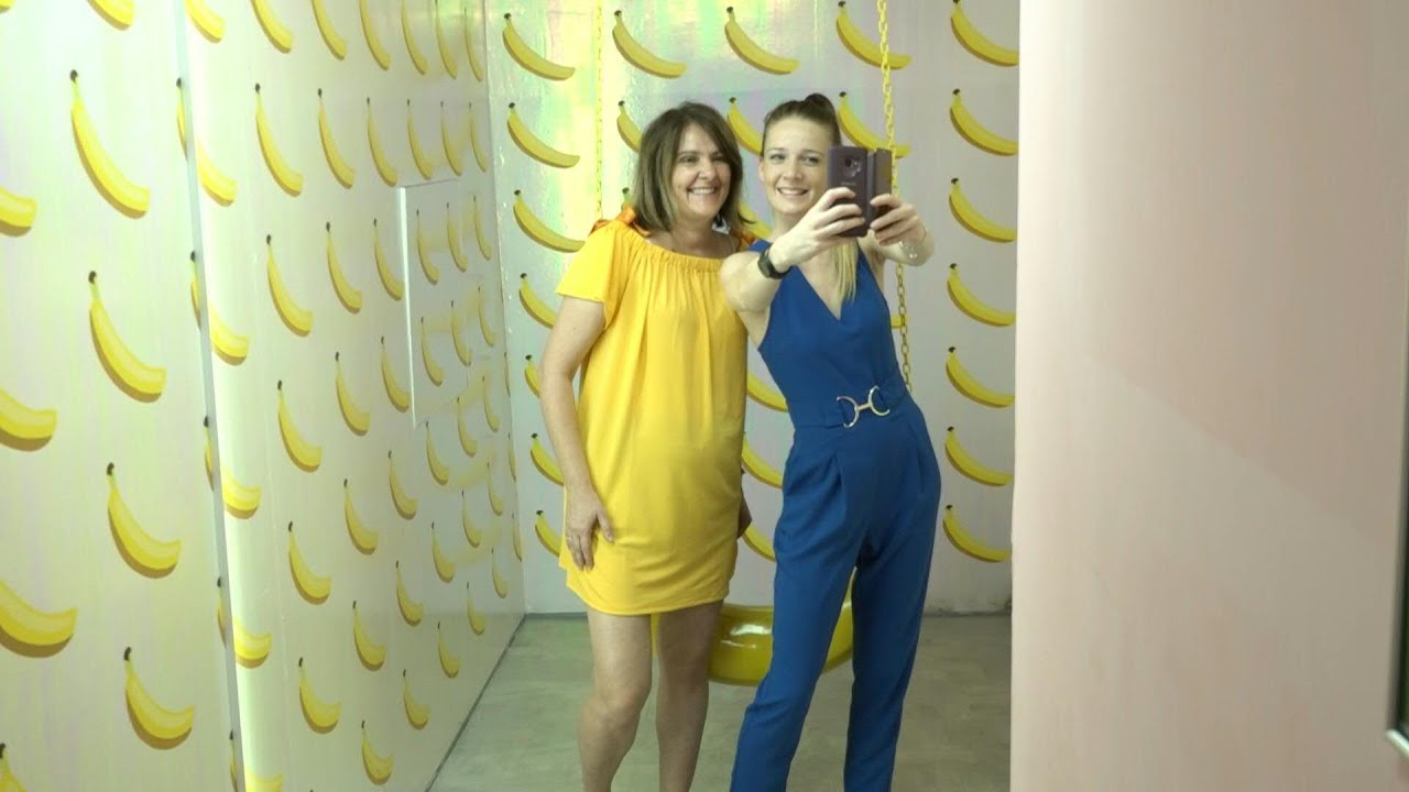 Video: Budapest 'Selfie Museum' A Hit With Instagram Generation