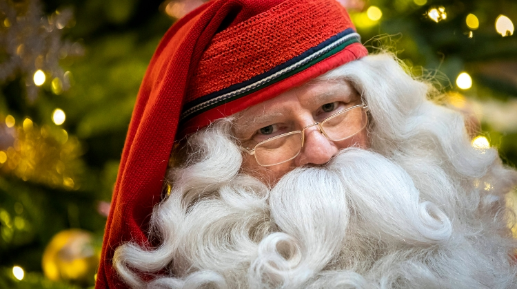 Lapland's Santa Spreading Xmas Spirit At Women's Shelters & Orphanages In Hungary