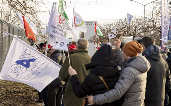 Audi Hungaria Strike Continues; Ingolstadt Shutdown Extended