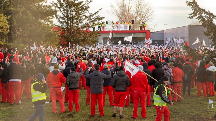 Strike In Hungary Forces Audi To Pause Production In Ingolstadt