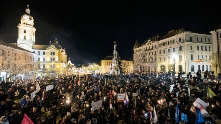 Fidesz: Hungary's Anti-Govt Protesters On Soros Payroll