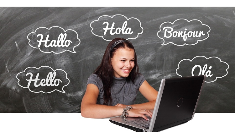 Hungarian Teenagers To Attend Language Courses Abroad