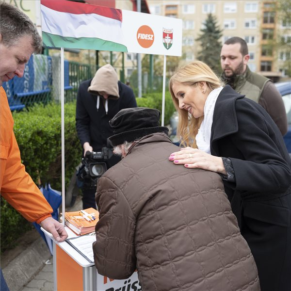 Fidesz Collects 1.15 Million Signatures To Support PM's Programme